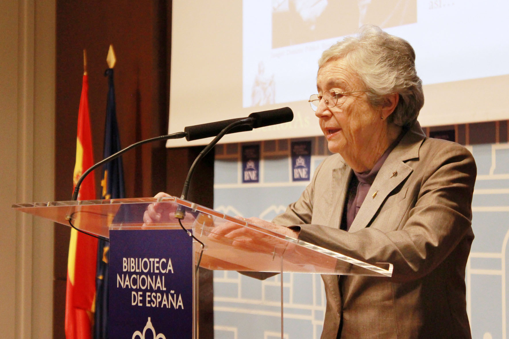 2016 Elisa Ruiz